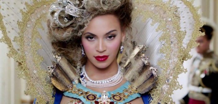 Beyoncé rocking an Elizabethan and Louis XIV inspired modern diva worthy costume